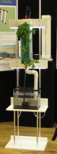 Aponic vertical growing stand